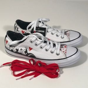 Converse Looney Tunes Pepe le Pew Women 7, New